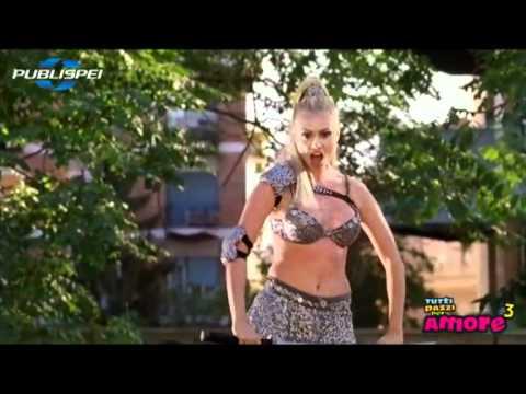 Tutti pazzi per amore 3 – Martina Stella in Senza pietà