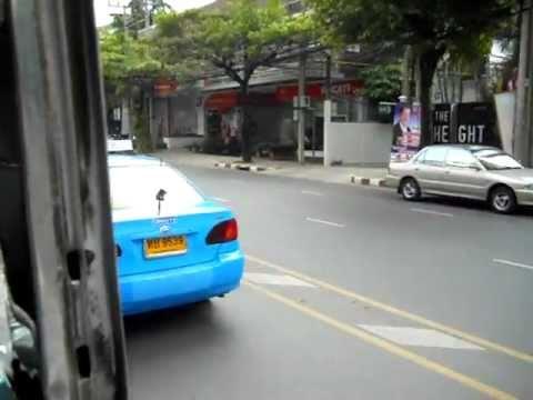 トンロー赤バス初乗り Red bus of Thonglor