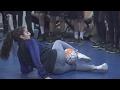 Neįtikėtina kamuolio kontrolė: mergina apžaidė jaunąsias futbolo žvaigždes
