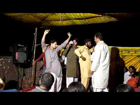 Mehndi Dance Funny Tu Paisa Paisa karti hai