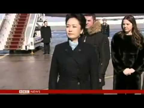 Peng Liyuan  China's fashionable first lady.