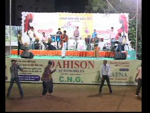Song Gujarati Garba Song Navratri Live 2011 - Lions Club Kalol...
