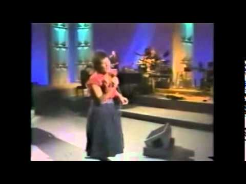 Kd Lang - Angel With A Lariat