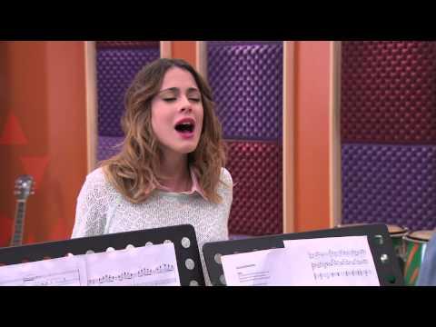 Violetta: Fede y Vilu cantan ¨Algo Se Enciende¨ (Ep 77 Temp 2)