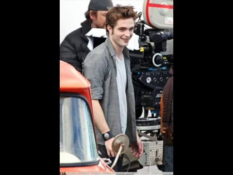 Kristen Stewart celebrando su cumple años. / Fotos del set de Luna Nueva/New moon Kristen y Robert: Video