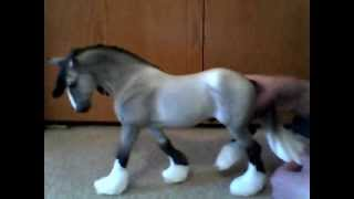 Breyer Review: Wintersong 2007 Holiday Horse