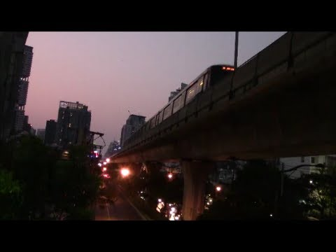 Sukhumvit Road & BTS Train, Bangkok, Thailand 27/Feb/2014 #3バンコクのスクムウィット通りとBTS電車