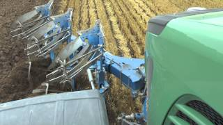 Ploughing in 2015 with a Fendt 939 and Överum 3 furrow plow the front and a 5 furrow Överum plow Aug