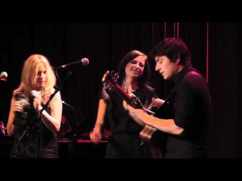 Chain of Fool - Vonda Shepard, Stevie Ann & Jaimi Faulkner in Dusseldorf (Aretha Franklin song)