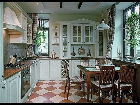 Кухня в частном доме, еще и с двумя окнами