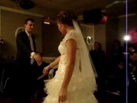 Медленный романтический свадебный танец видео