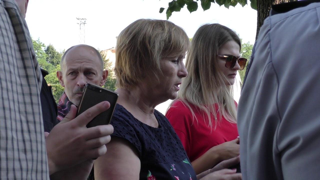 Влада Калуша годину вела перемовини з мешканцями вулиці Чорновола