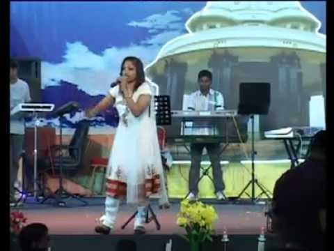 Lekha Ajay Nadan Pattu Live Performance video