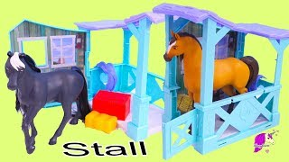 Horse Stall + Carry Case Barn Playset ! Dreamworks Spirit Riding Free Horses Set
