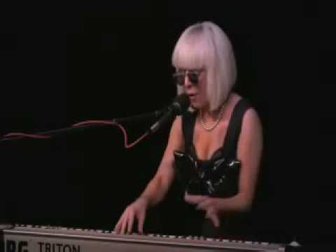 Lady GaGa - Fooled Me Again (Honest Eyes)