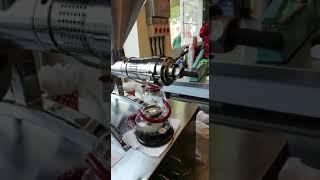 GM-1000 soguk pres yag makinası cold press oil machine çörek otu yağı çıkarıyor