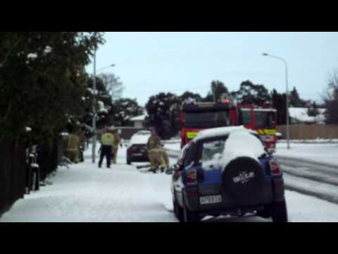 Rolleston Fire Brigade snow bomb house! klip izle