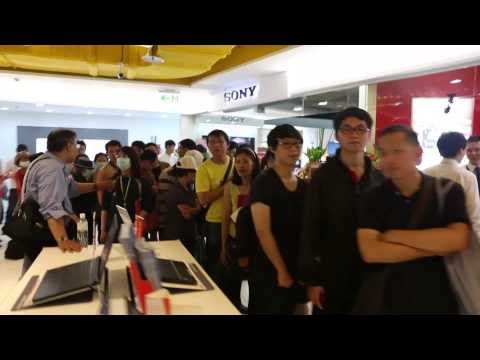 RazerStore Taipei Overcrowding halts launch activities