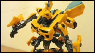Transformers Hunt For the Decepticons Deluxe Class Battle Blades Bumblebee in Stop Motion