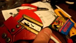 Netzwerkkabel verlegen: Stecker mit Rohrzange optimal montieren Teil 06/06