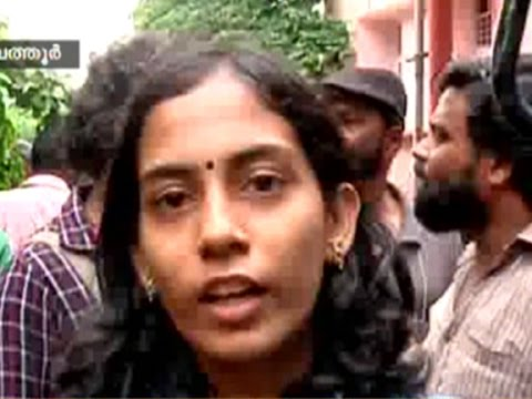 Police has been try to kill Maoist leader Roopesh on fake encounter, says his daughter.