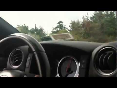 Jeep Grand Cherokee SRT8 vs Nissan GTR