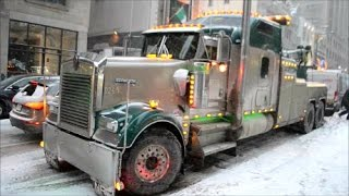 OUTSTANDING KENWORTH W900 WRECKER IN DOWNTOWN MONTREAL