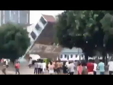 Apocalyptic flooding collapses buildings in China - June 24, 2018