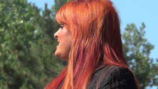 Watch Wynonna Judd Love Can Build A Bridge video