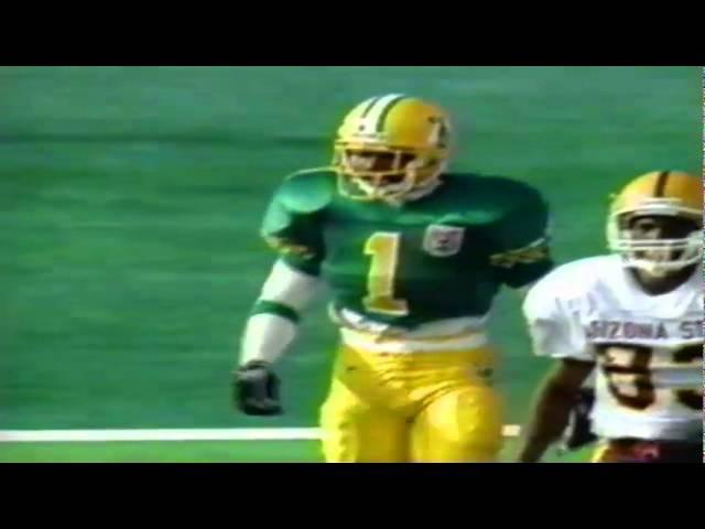 Oregon CB Alex Molden knocks away a deep pass from ASU QB Jake Plummer 11-05-94
