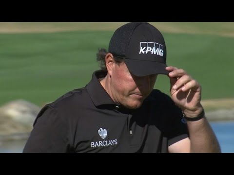 Phil Mickelson's approach leads to birdie at Humana