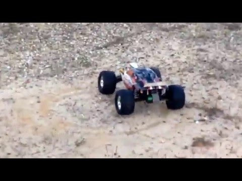 Traxxas Rustler & Traxxas Slash: Race and Burnouts. Torment ECX 4WD drifting.