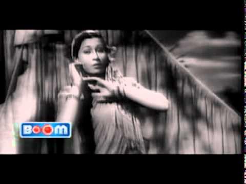 Taqdeer jaga Kar Aayi Hoon - Dulari 06.DAT