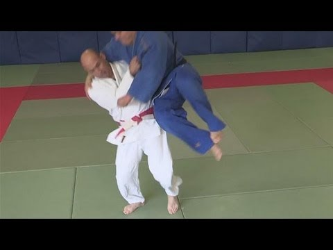 How To Throw Someone At The Waist In Judo Image 1