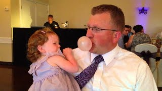 Cutest Daddy Blowing Bubble Gum Make Baby Laugh 👨🗯️👶 Funny Cute Video