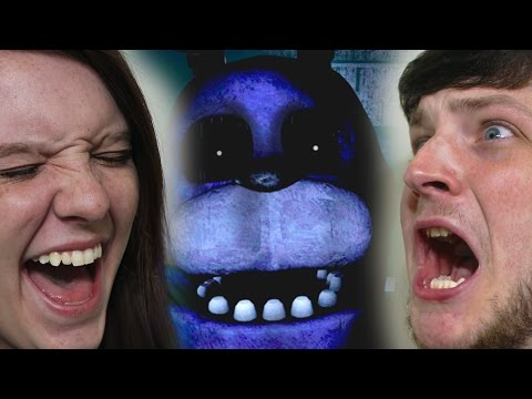 Girlfriend Plays Five Nights at Freddy's!