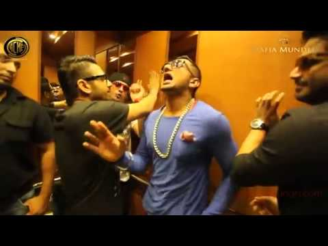 Yo Yo Honey Singh In Lift Naughty video