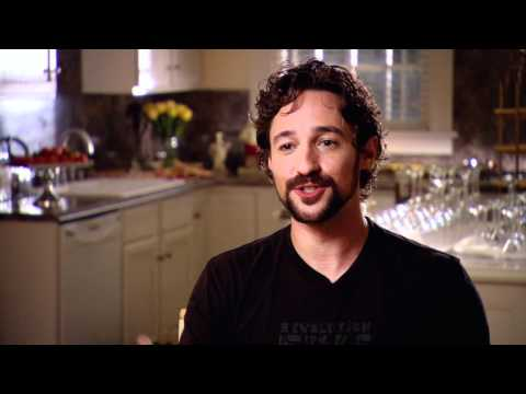 Thomas Ian Nicholas's Official 'American Reunion' Studio Interview