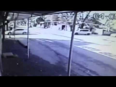 Момент ДТП с чудом уцелевшей женщиной в Алматы попал на видео