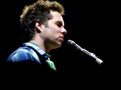 Rufus Wainwright - Dinner At Eight (Gateshead 190410).MPG