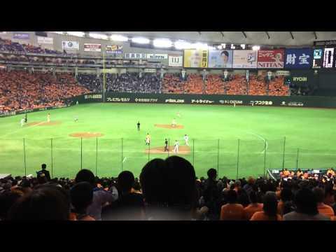 巨人対中日 小笠原道大 代打で安打を放つ 巨人ファンからも拍手