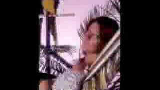 Watch Frida Kvinnor Som Springer video