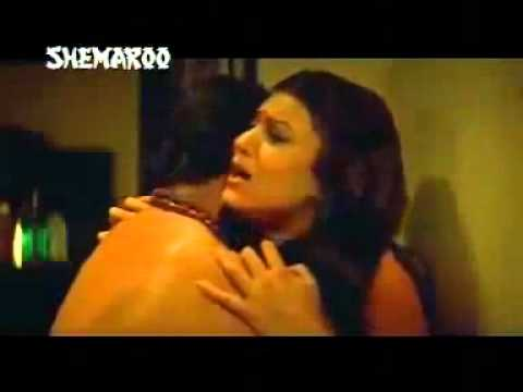 Sushmita Sen Hot Scene From Chingaari video