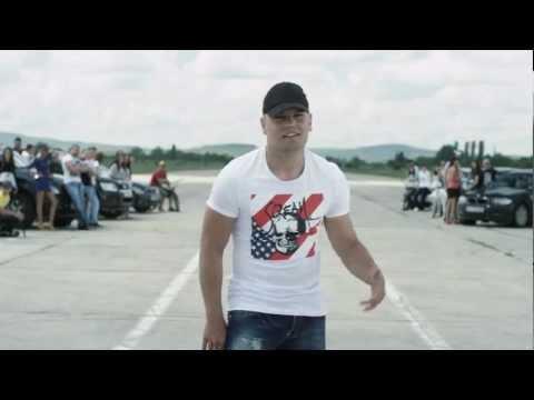 Кристо feat. Лора Караджова - Оставам тук