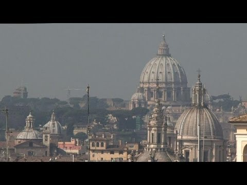 Pope Francis to meet hundreds of mafia victims' relatives