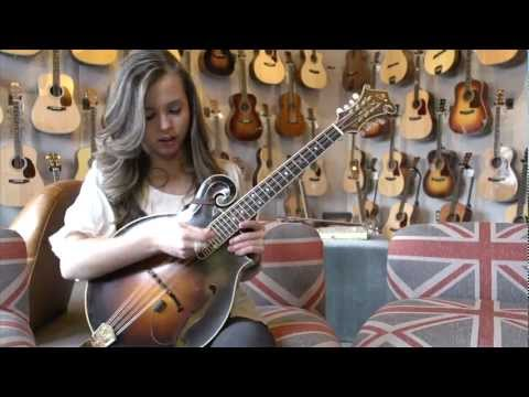 Weber Fine Acoustic Instruments: Sierra Hull performs Weber Octave in Nashville, TN
