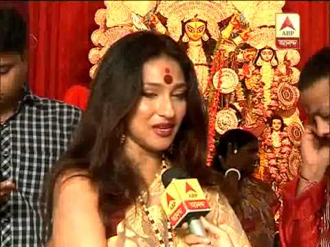 Rituparna Sengupta enjoying Durga Puja in her residence
