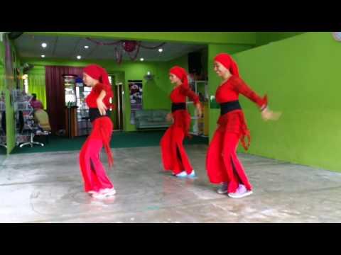 Chammak Chalo..bollyrobic....move Ya...by Farah Afza N Jelita Teams.. video