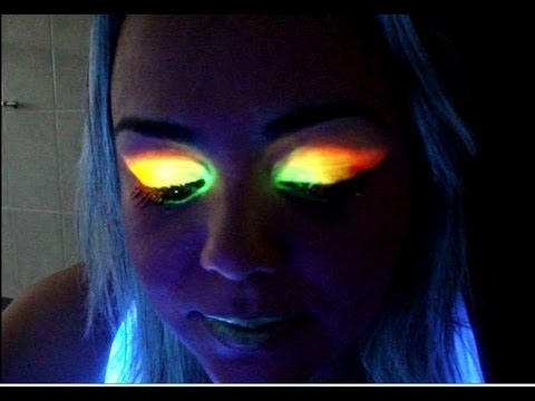 Maquiagem Fluor + Luz Negra