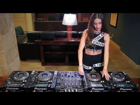 Juicy M mixing 4 CDJs   NEW 2016